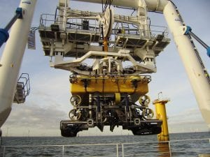 QTRENCHER 1000 LAUNCHING OFFSHORE